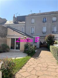 Immobilier de prestige : Vente Maison Particulière - Lucilia Brosset | Lucilia B. : votre spécialiste de l'immobilier sur Tours et environs