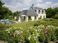 Immobilier de prestige : Maison à vendre - Lucilia Brosset   Lucilia B. : votre spécialiste de l'immobilier sur Tours et environs