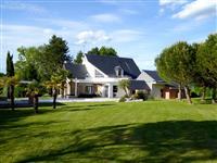 Immobilier de prestige : Villa d'architecte à vendre - Lucilia Brosset | Lucilia B. : votre spécialiste de l'immobilier sur Tours et environs