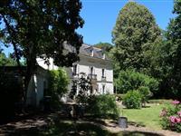 Immobilier de prestige : Manoir à vendre - Lucilia Brosset   Lucilia B. : votre spécialiste de l'immobilier sur Tours et environs