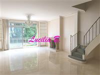 Immobilier de prestige : Récente Maison de ville à vendre - Lucilia Brosset | Lucilia B. : votre spécialiste de l'immobilier sur Tours et environs