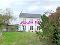 Immobilier de prestige : Achat Maison - Lucilia Brosset | Lucilia B. : votre spécialiste de l'immobilier sur Tours et environs
