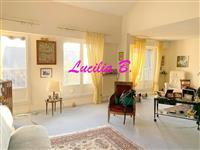 Immobilier de prestige : Vente Appartement en dernier étage - Lucilia Brosset | Lucilia B. : votre spécialiste de l'immobilier sur Tours et environs