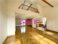 Immobilier de prestige : Achat Appartement en dernier étage - Lucilia Brosset | Lucilia B. : votre spécialiste de l'immobilier sur Tours et environs