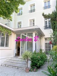 Immobilier de prestige : Hôtel Particulier à vendre - Lucilia Brosset   Lucilia B. : votre spécialiste de l'immobilier sur Tours et environs